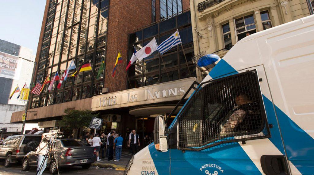 Extraña muerte en el Hotel Las Naciones