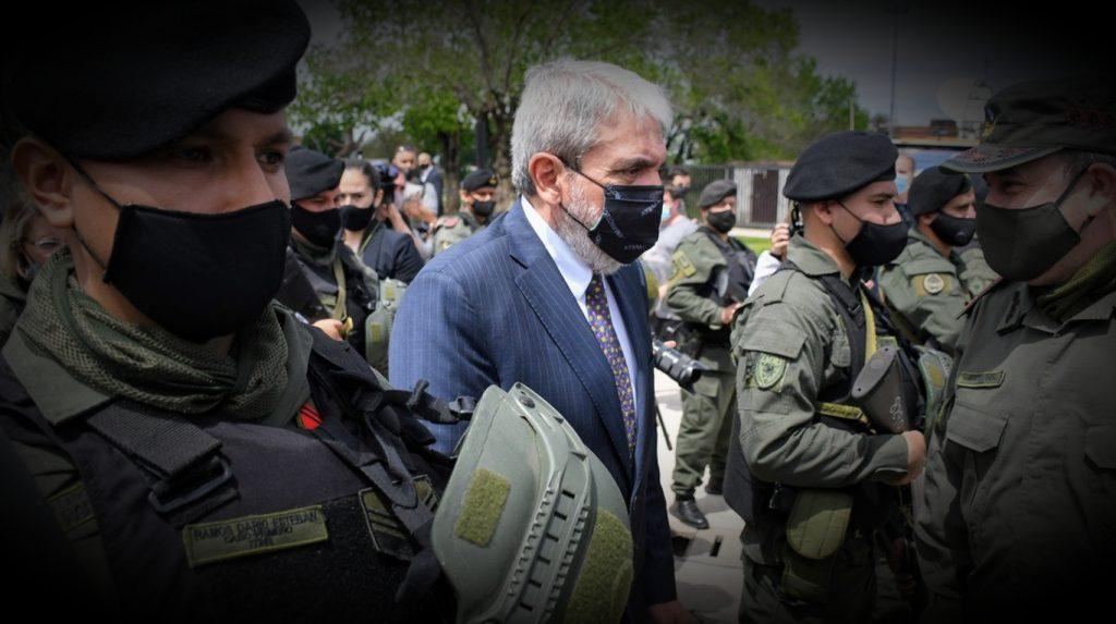 Gendarmes en Rosario: la ola de crímenes empieza en las cárceles.